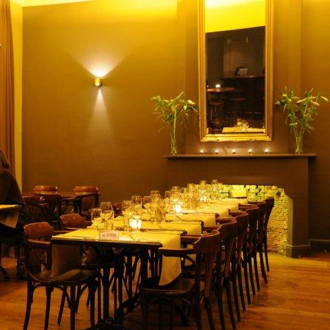 Restaurant met sfeervol interieur, tuinterras en speeltuin